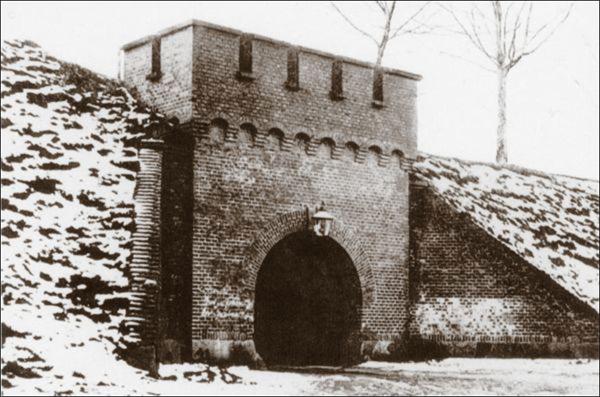 Аусфальские ворота
