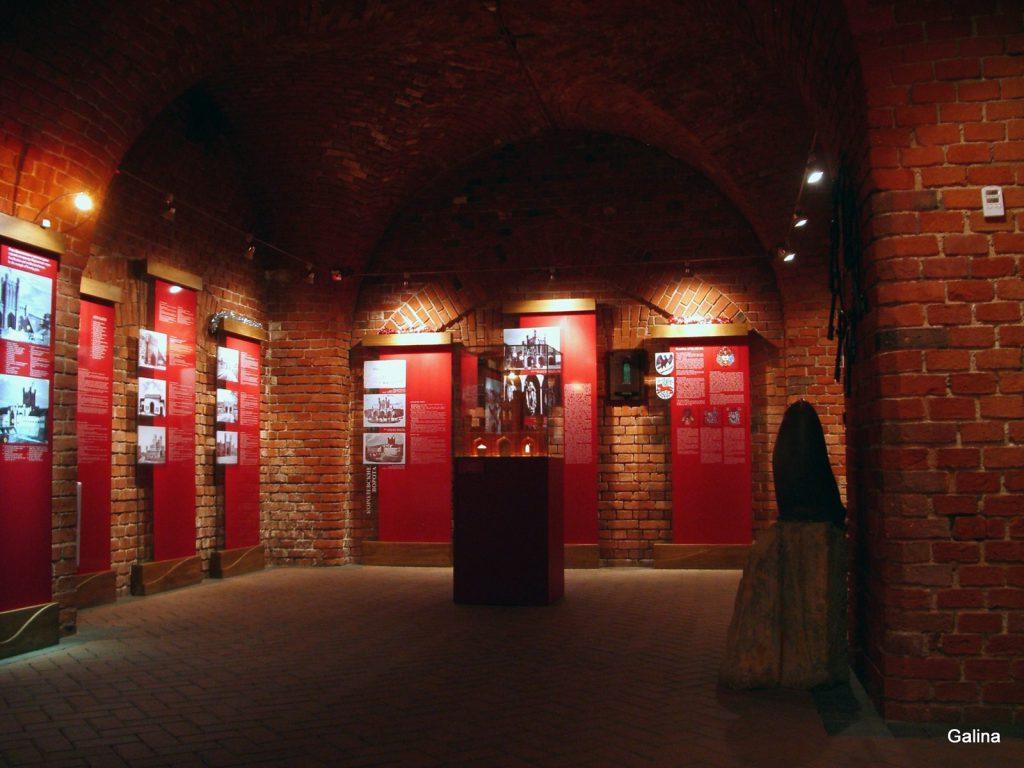 Королевские ворота Калининграда, внутри