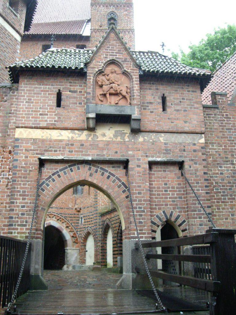 Замок Мальборк, вход в высокий замок