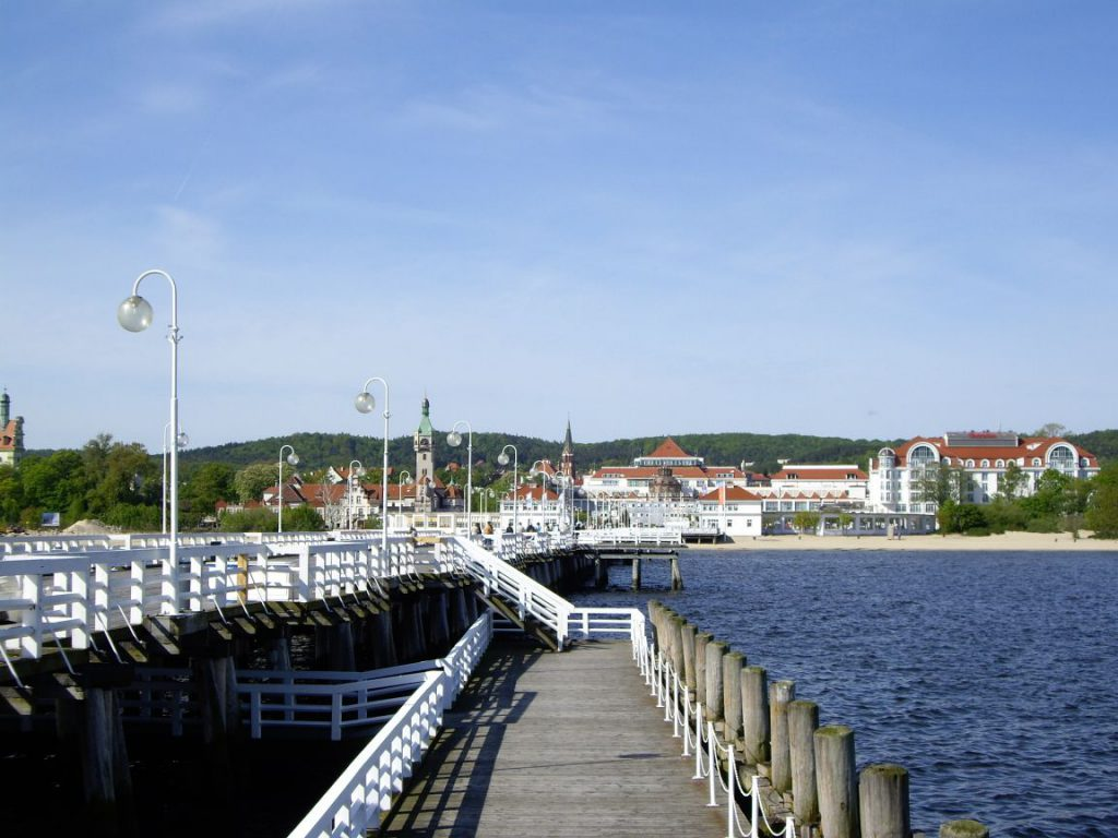 город Сопот, молл на Балтийском море
