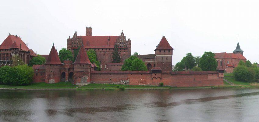 Панорама замка Мольборк