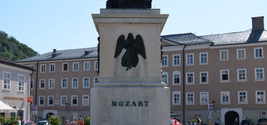 Зальцбург, памятник Моцарту