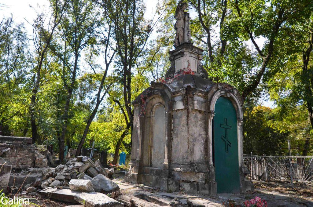 Склеп Котопули на старом кладбище Таганрога
