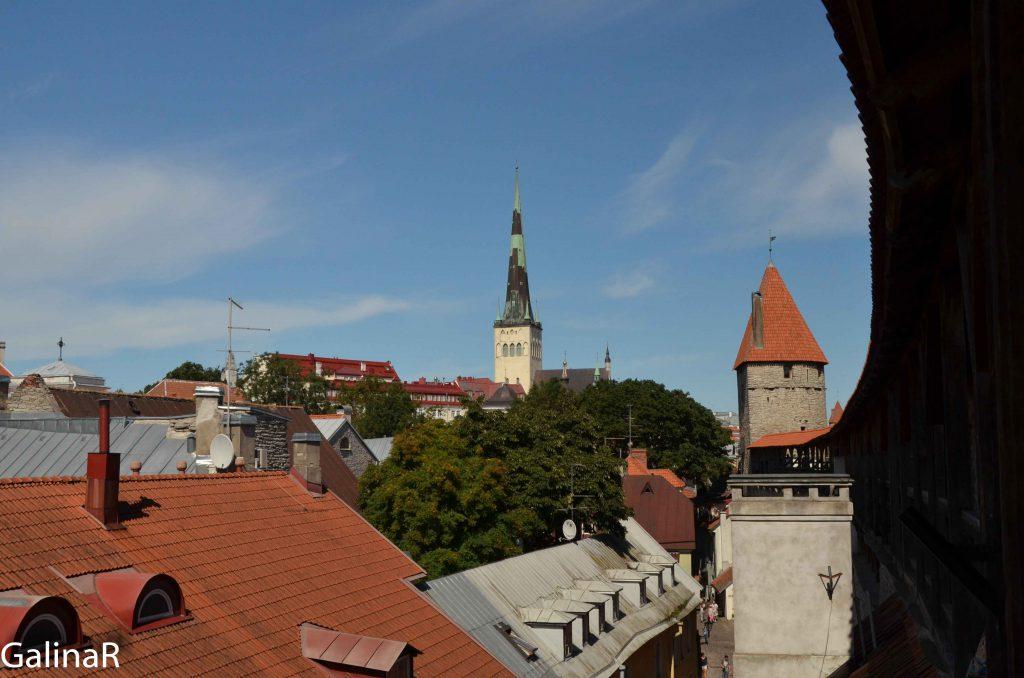 Вид на Таллин с крепостной стены