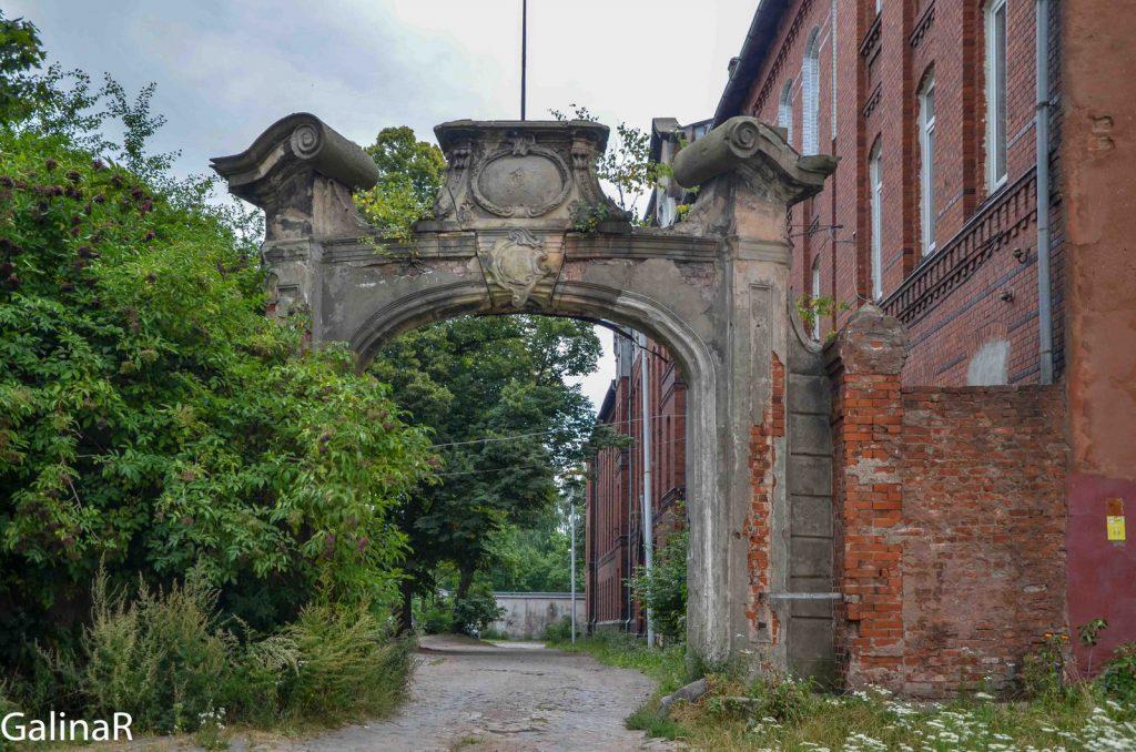 Портал госпиталя Лёбенихта