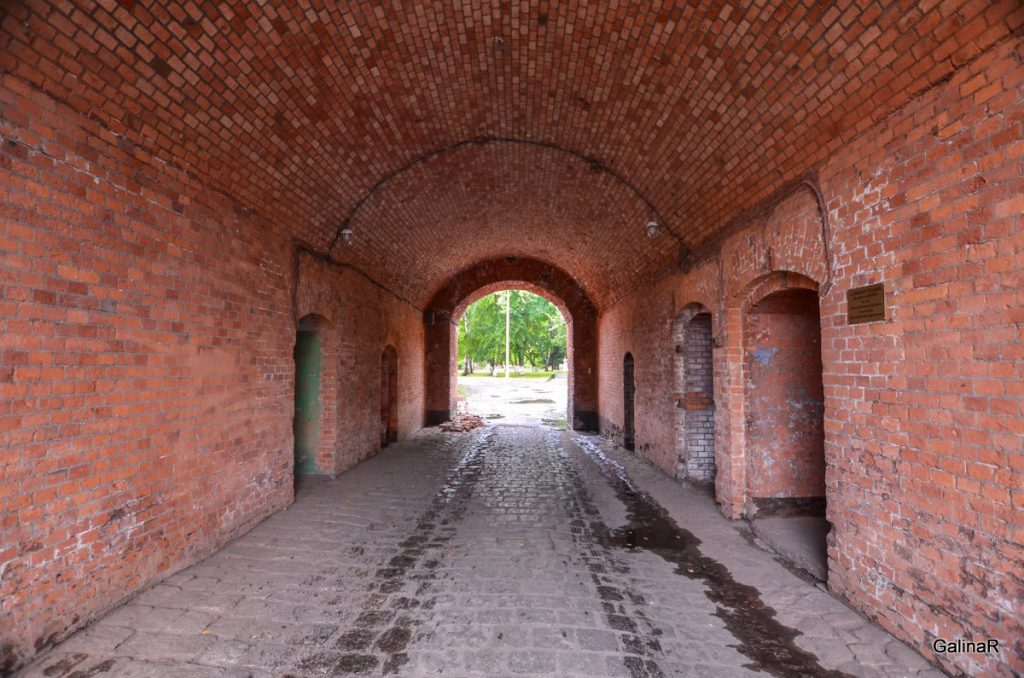 Арка входа в форт Пиллау