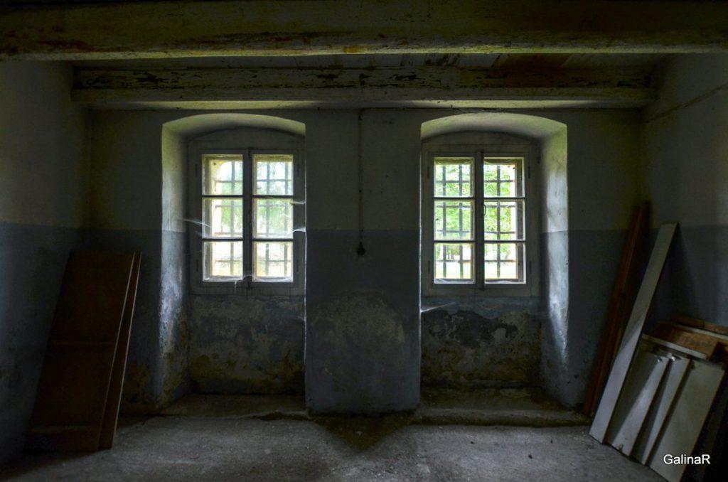 Внутри казарм форта Пиллау