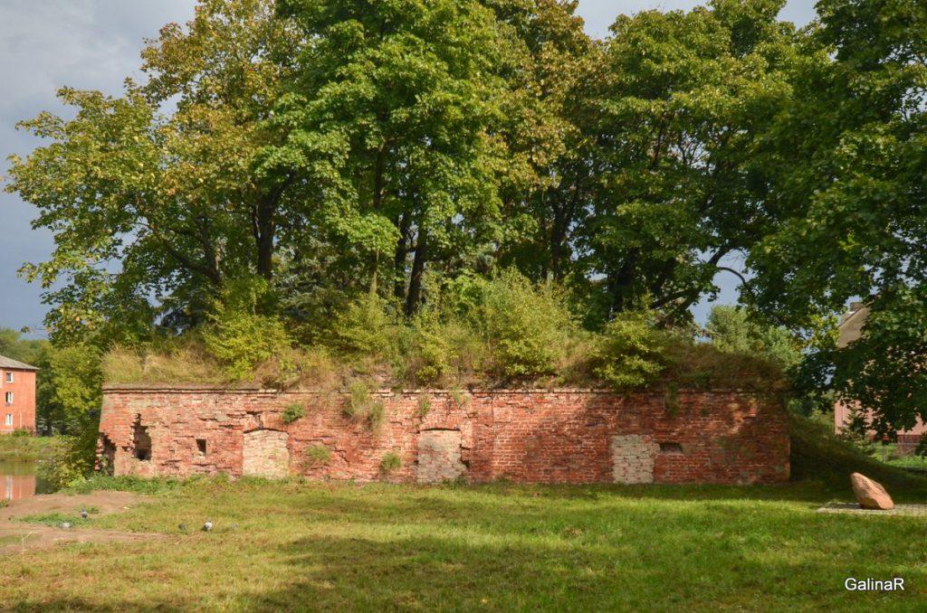 Равелин у входа в форт Пиллау