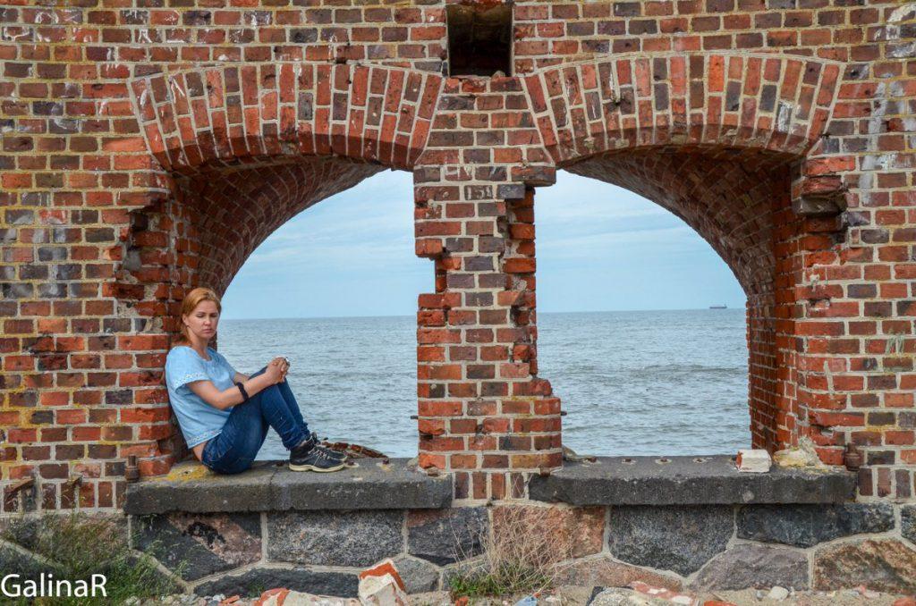 Западный форт на Балтийской косе в Балтийске в Калининградской области