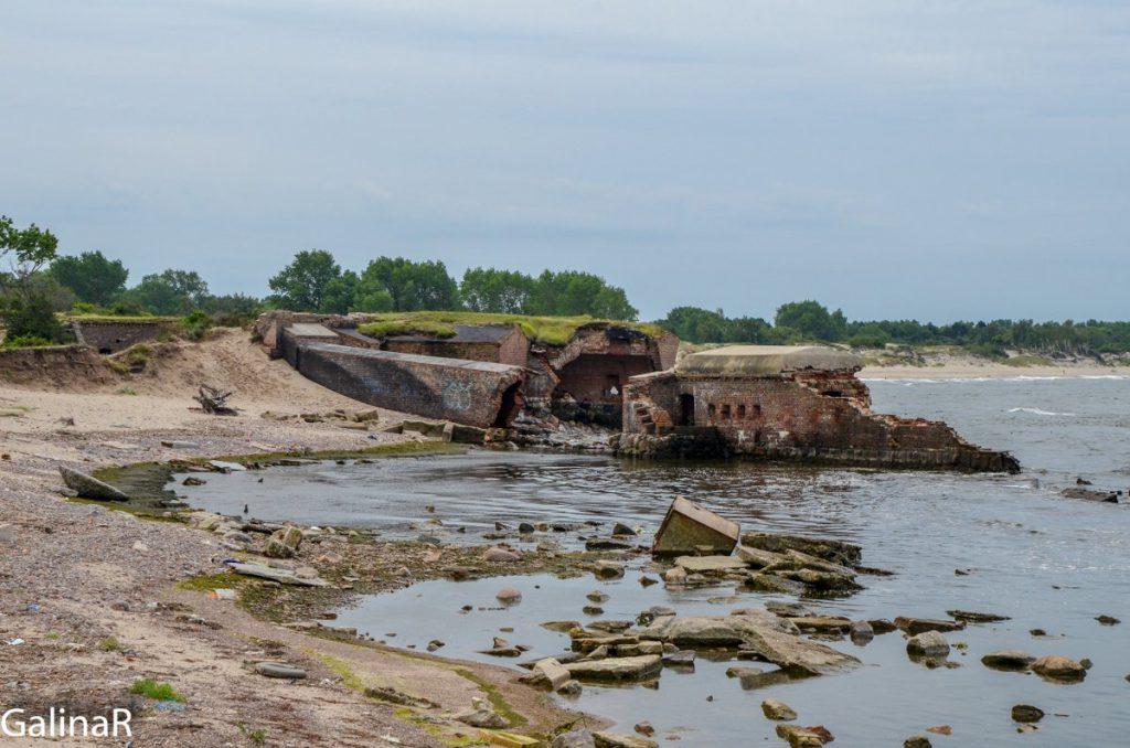 Панорама Западного форта на Балтийской косе в Балтийске в Калининградской области