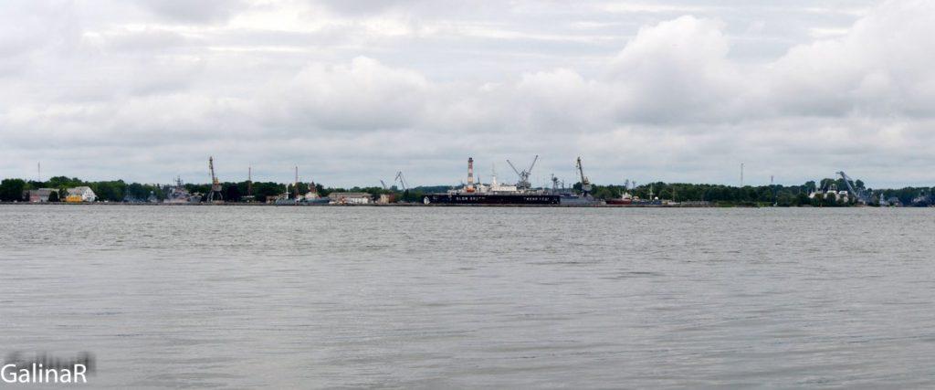 Вид на Балтийск с ангара военного аэродрома на Балтийской косе