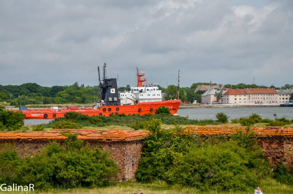 Корабли заходят в порт Балтийска