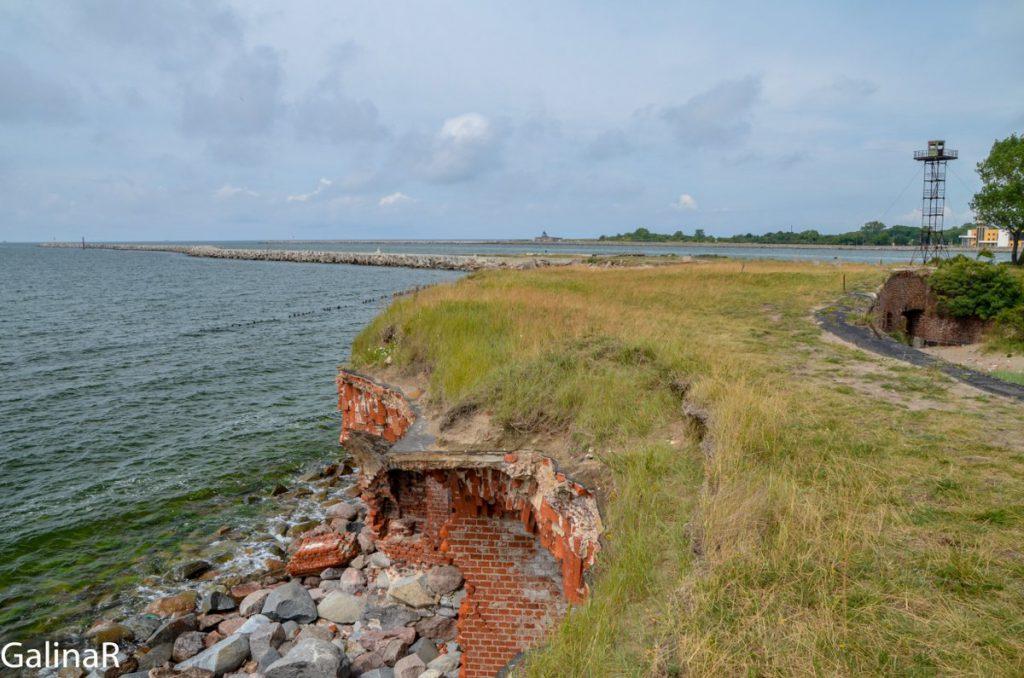На крыше Западного форта на Балтийской косе в Балтийске в Калининградской области