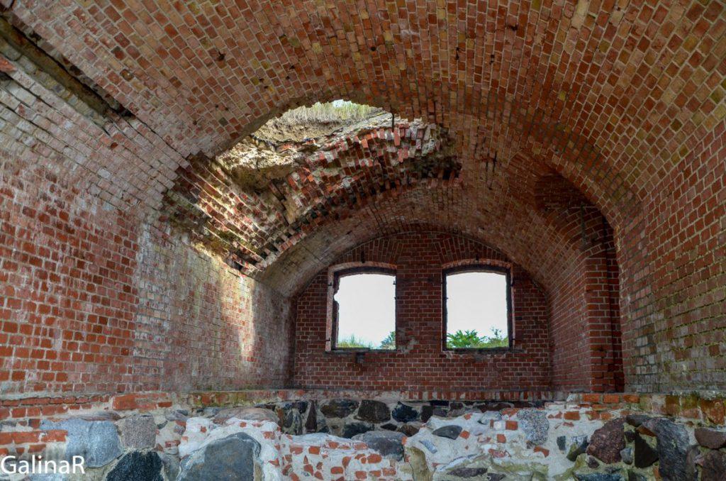 Внутри Западного форта на Балтийской косе в Балтийске в Калининградской области