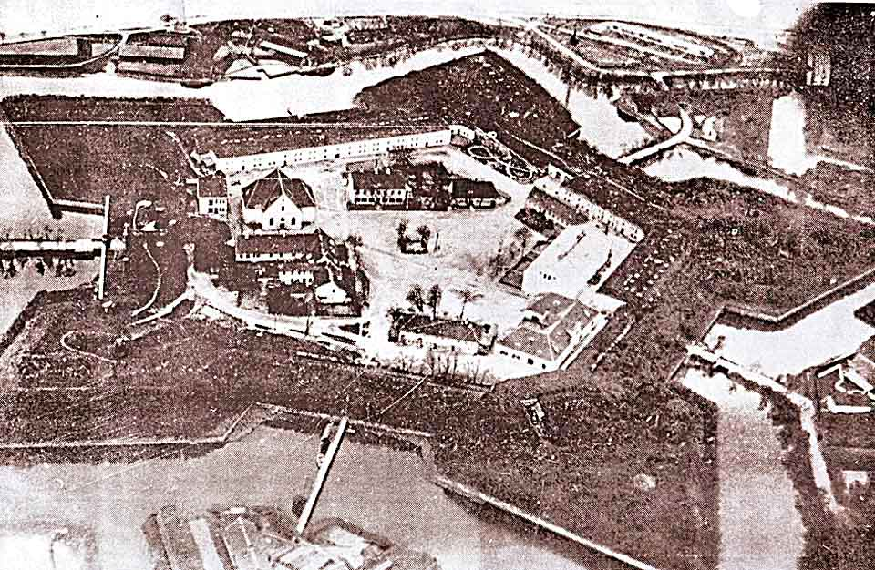 Довоенное фото форта Пиллау