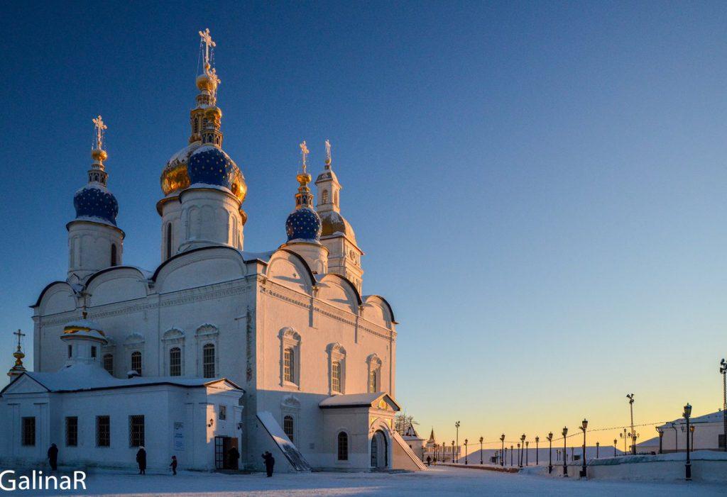 Софийско-Успенский собор зимой на закате