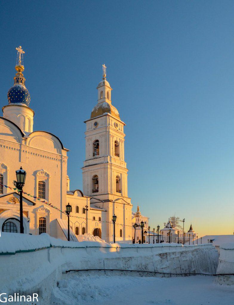 Колокольня Софийско-Успенского собора на закате