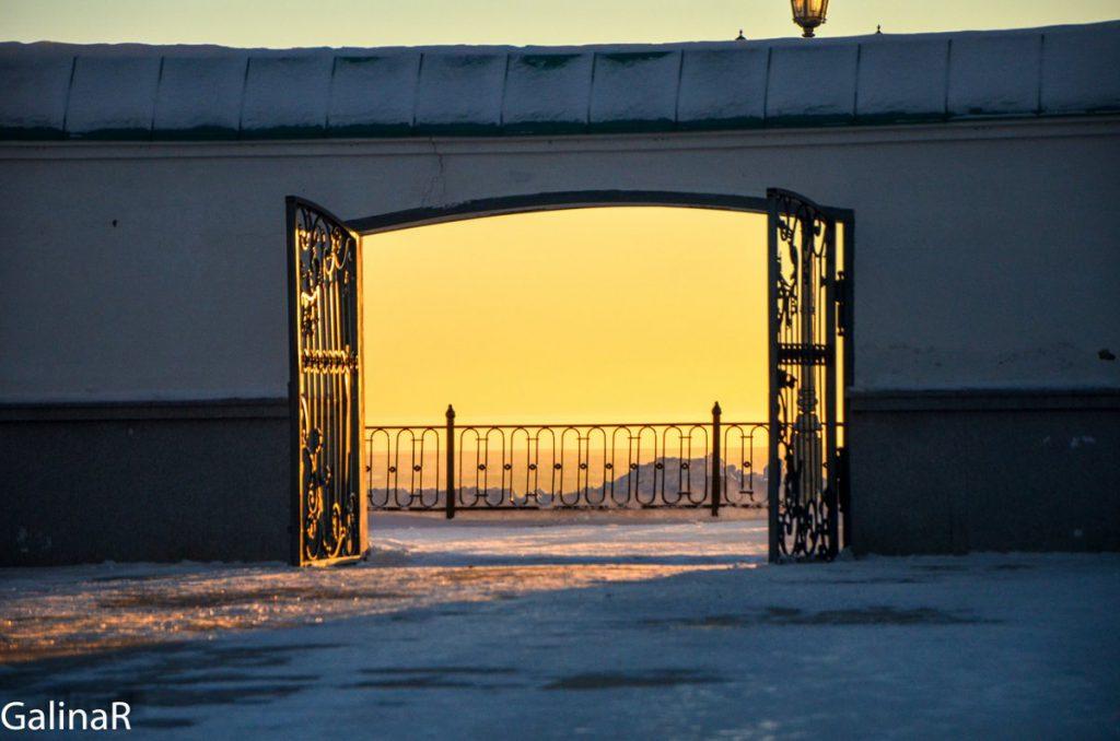Тобольский кремль зимой на закате