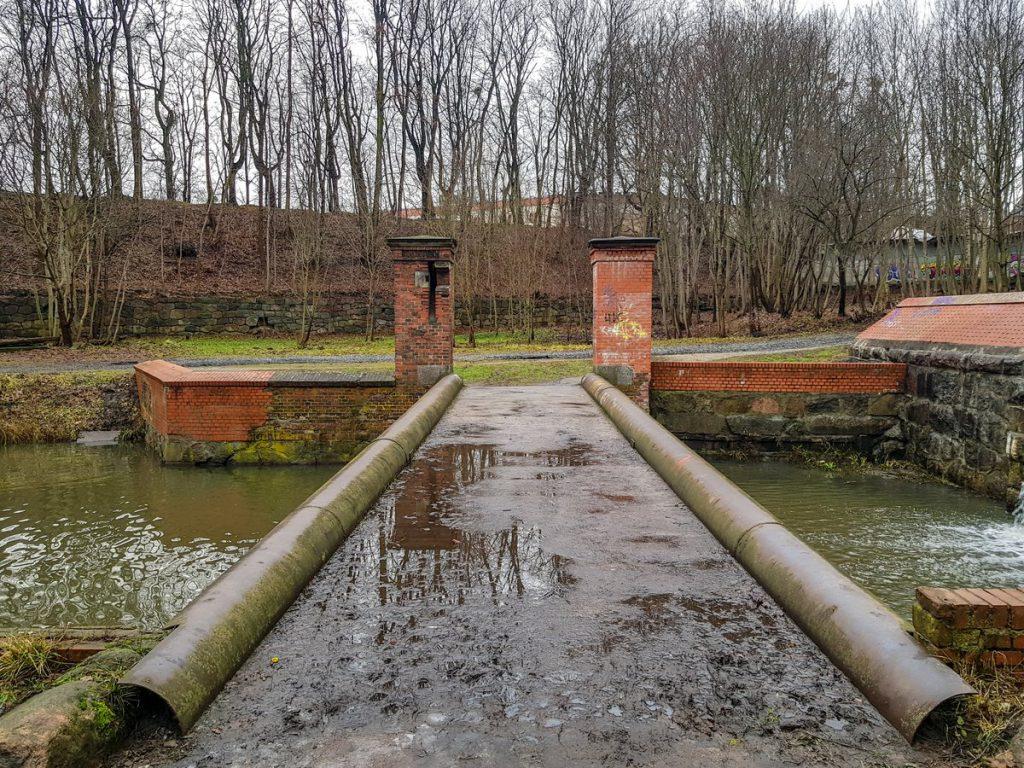 Шлюз на ручье Крепостной за Бастионом Грольман