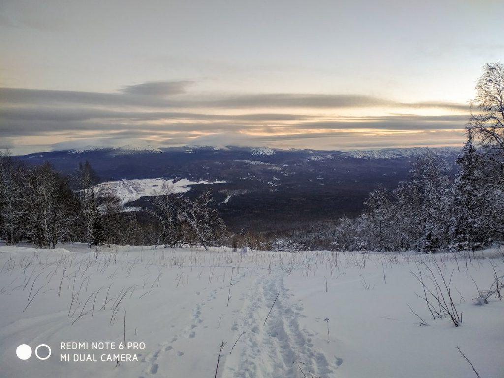 Вид на Тюлюк с хребта Зигальга зимой