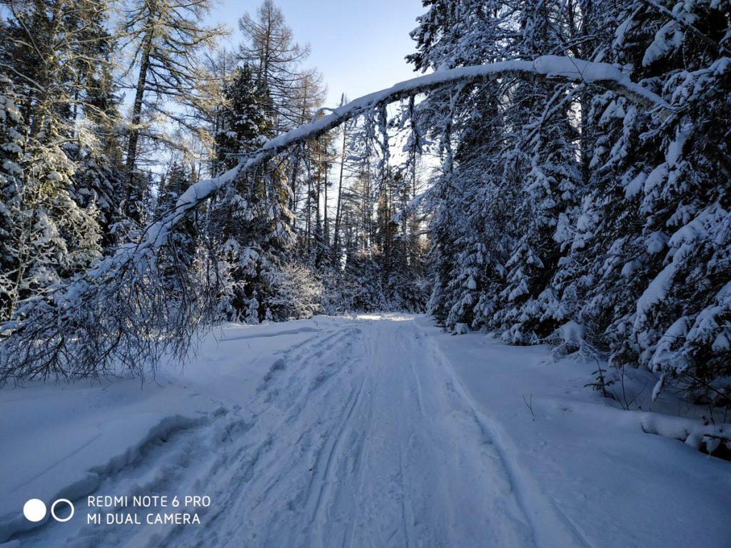Дорога зимой на хребет Бакты