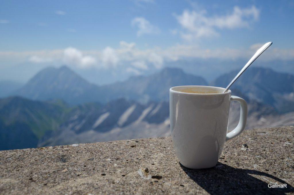 Кофе с видом на Альпы