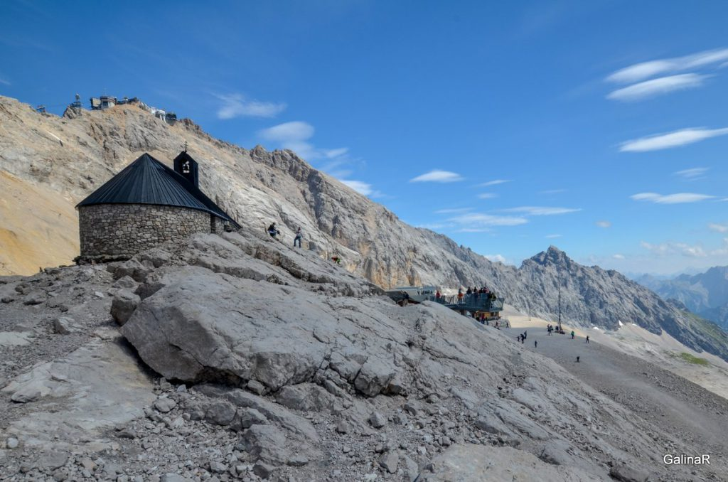 Храм на леднике Шнеефернер