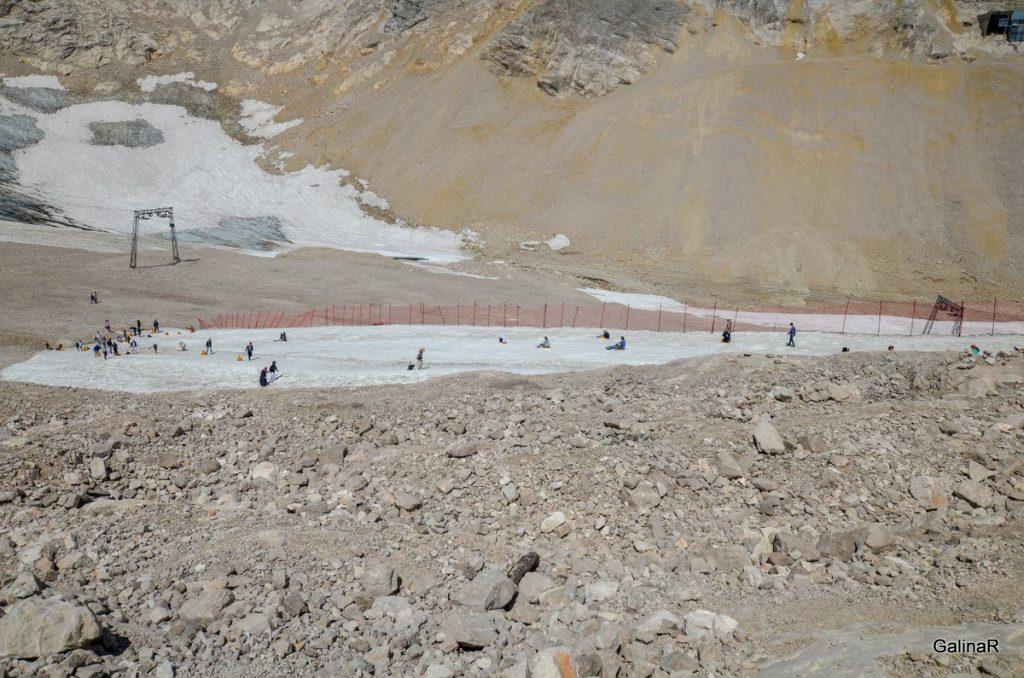 Ледник Шнеефернер летом