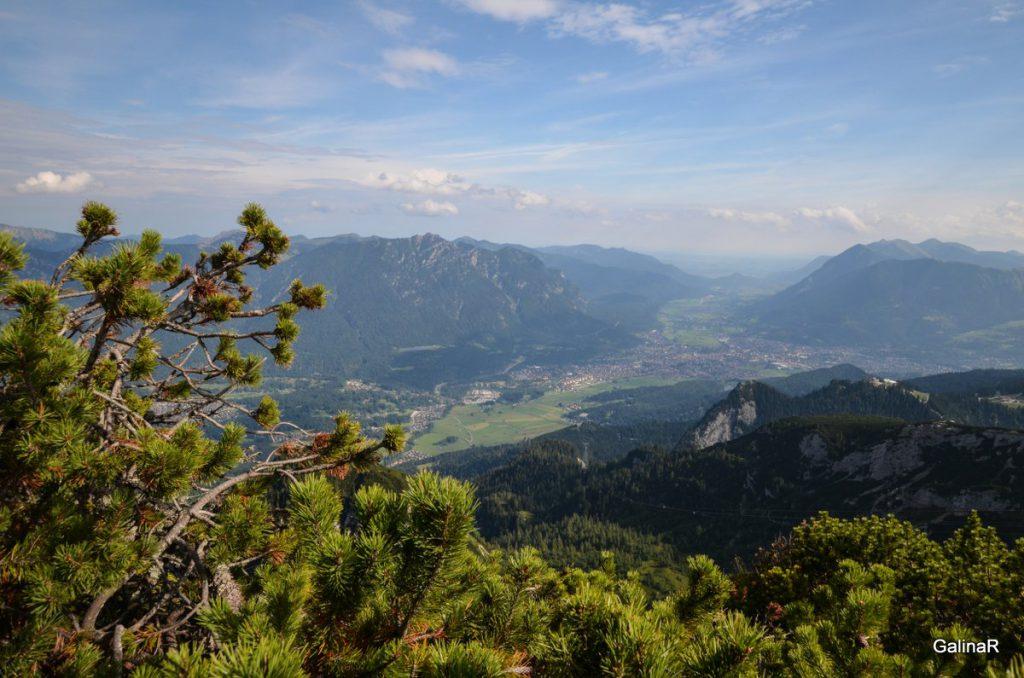Панорама Гармиш Партенкирхен с горы Остерфельдеркопф
