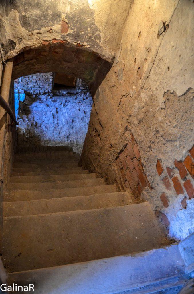 Замок Георгенбург подвал