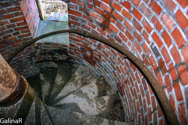 Старый маяк в Заливино