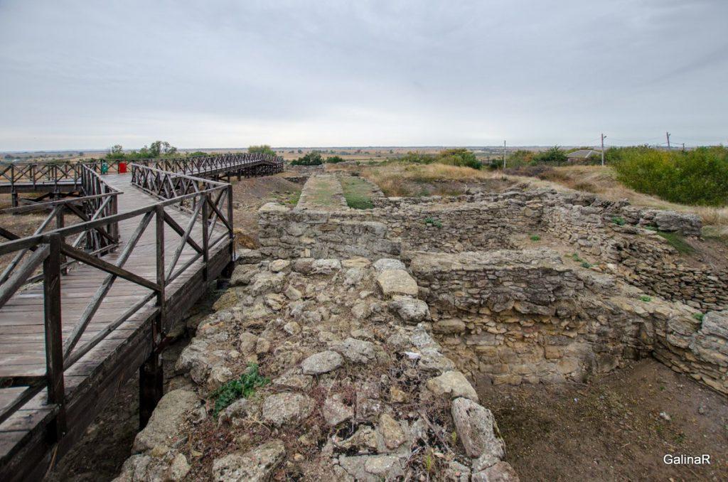 Валовая стена города Танаис