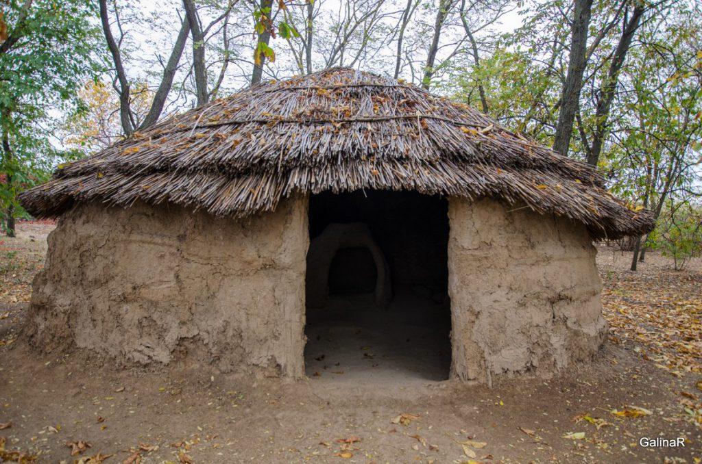 Хижина меотов в музее Танаис