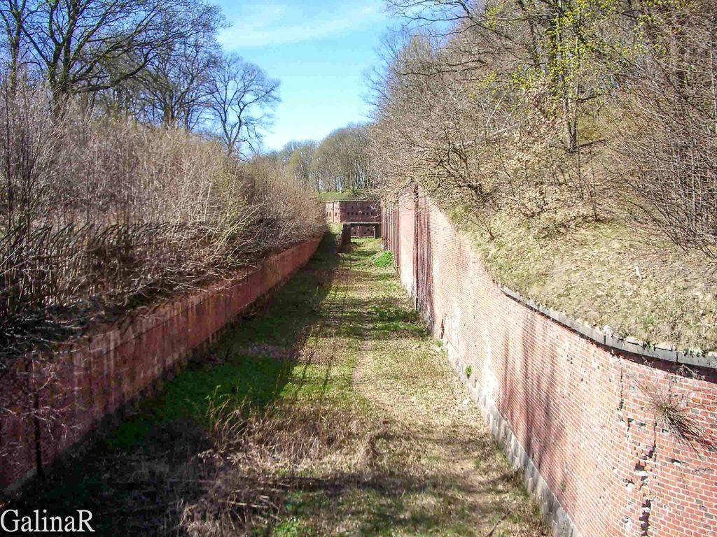 Форт 3 в Калининграде сухой ров