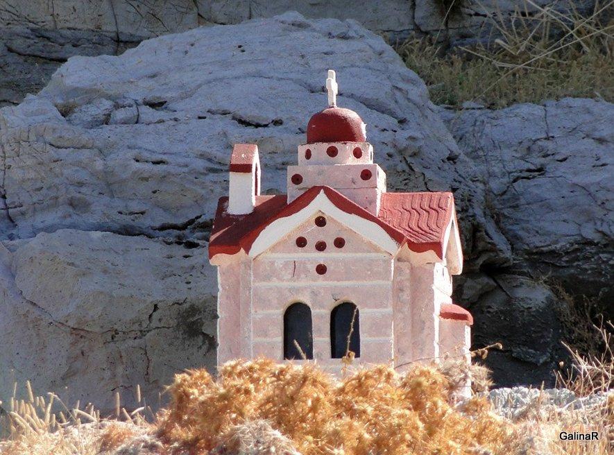 Домики вдоль дорог Крита