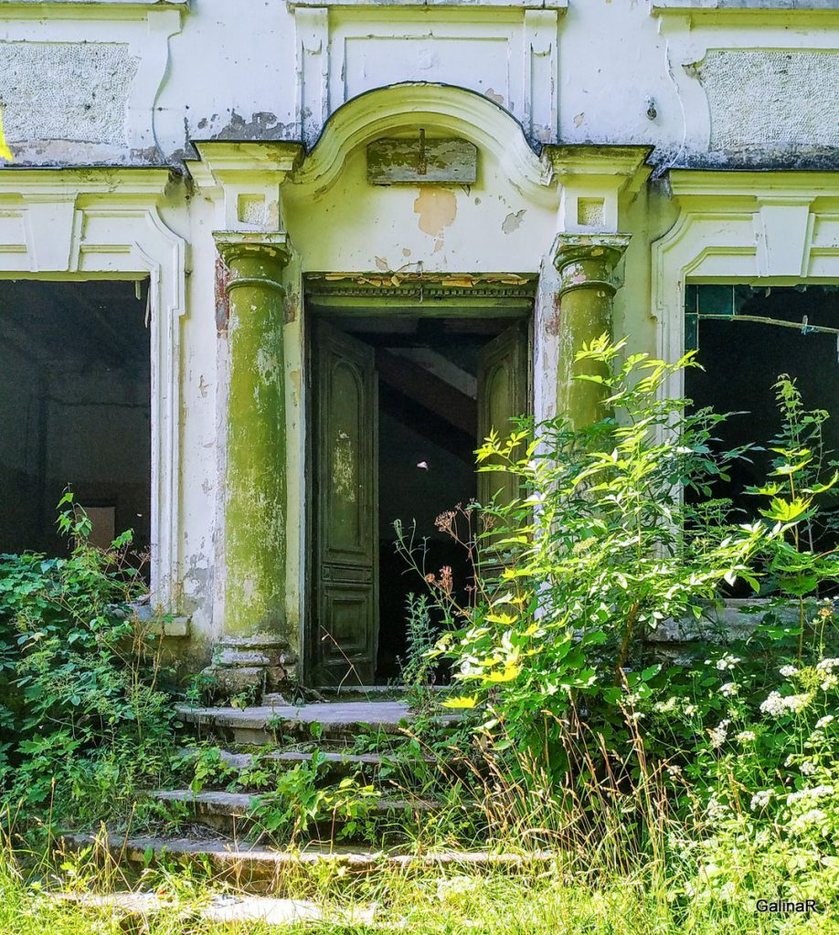 Усадьба фон Заукенхоф, оригинальная дверь
