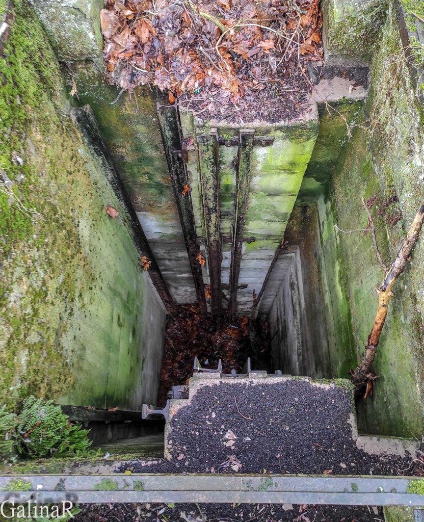 Мазурский шлюз в Дружбе, углубления на стенах